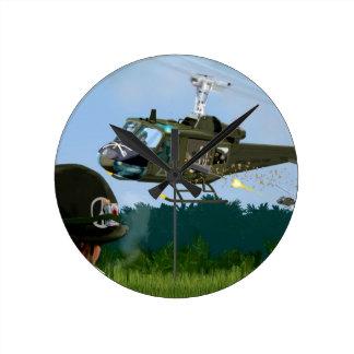Guerre de Vietnam Bell Huey. Horloge Ronde