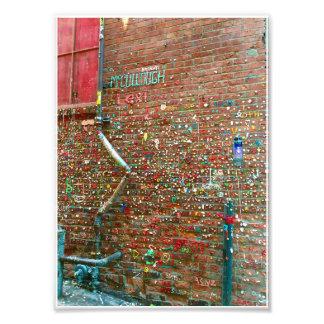 gum wall photograph