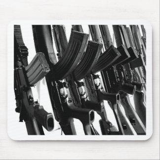 GUNS MOUSE PAD