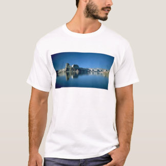 Gunsight Butte, Lake Powell, Arizona T-Shirt