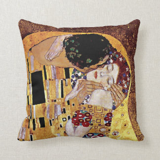 Gustav Klimt - The Kiss - Vintage Art Nouveau Throw Pillow