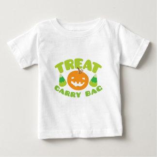 HALLOWEEN treat carry bag T Shirt
