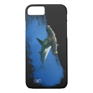 Hammerhead shark on dark metal mesh iPhone 7 case