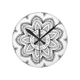 Hand Drawn Ribbon Mandala - Black & White Round Round Clock