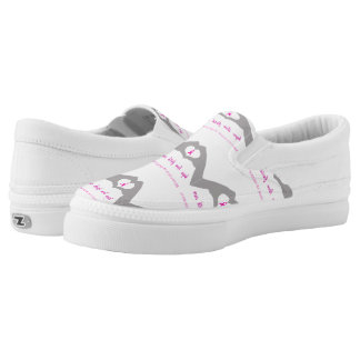 Hand making heart sign with breast cancer ribbon Slip-On sneakers