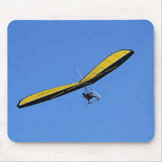 Hang glider in the sky mouse pad
