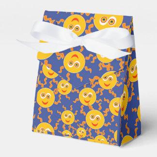 Happy Smiling Sun Faces Pattern Favor Boxes