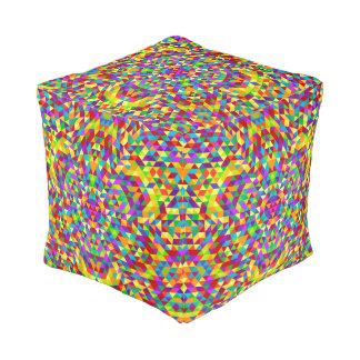 Happy triangle mandala 2 pouf