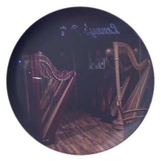 Harps in shadow plate