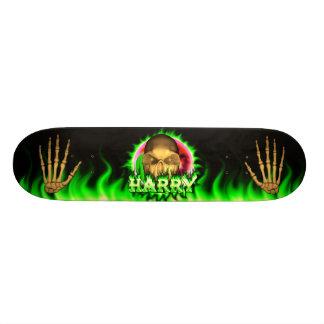 Harry skull green fire Skatersollie skateboard.