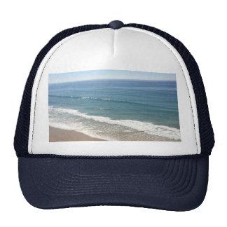 Hat with ocean.