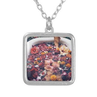 HAWAII FLORAL FLOWER BATH SILVER PLATED NECKLACE