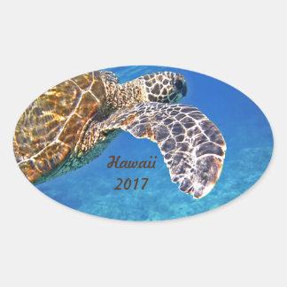 Hawaiian Sea turtle swimming Oval Sticker