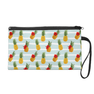 Hawaiian Summer Pineapple Seamless Pattern Wristlet