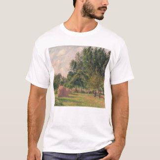 Haystacks, Morning, Eragny T-Shirt