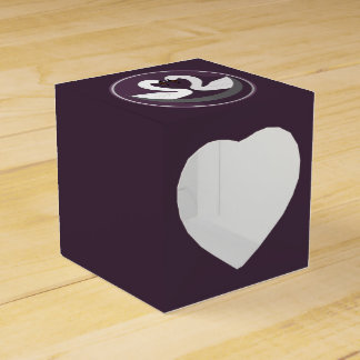 Heart 2x2 LOVE SWANS Party Favor Box