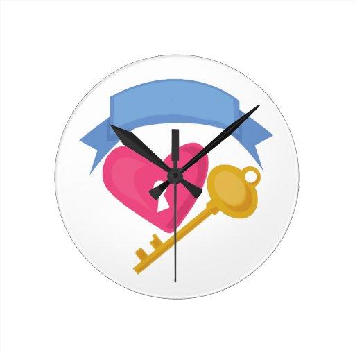 Heart Lock Round Wall Clock