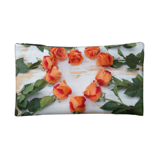 heart OF of roses on wood Cosmetic Bag