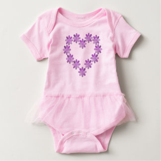 Heart picture baby bodysuit
