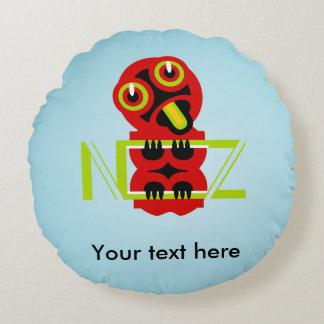 Hei Tiki N.Z. Text art design Round Pillow