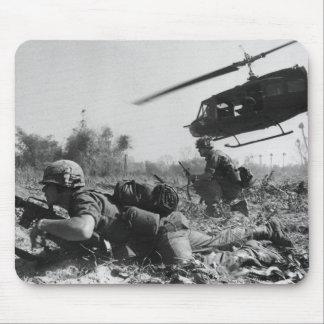 Hélicoptère de l'UH-1D de Crandall principal dans  Tapis De Souris