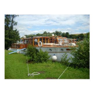 Henley on Thames, Traditional motor cruiser Postcard