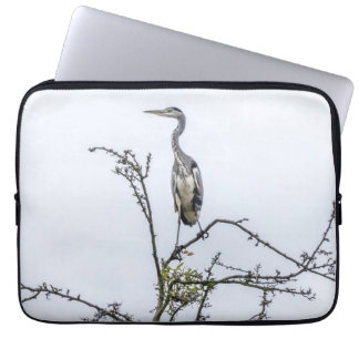 Heron on a tree laptop sleeve