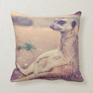 """HIER SIT EK"" THROW PILLOW"