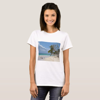 High quality T-Shirt with Perfect Beach Photo