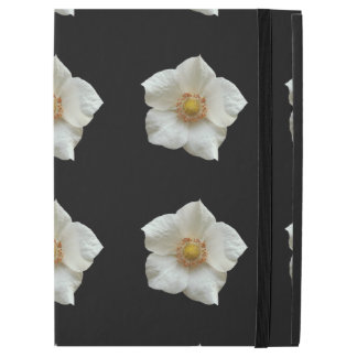 "Highly Detailed White Flowers on Black iPad Pro 12.9"" Case"