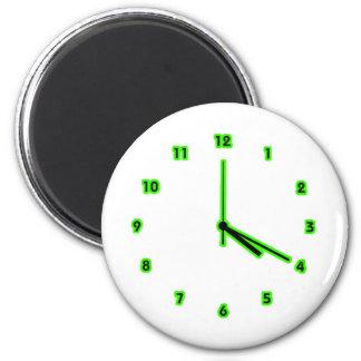 Hippy clock outline magnet
