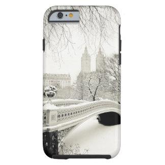 Hiver de Central Park - neige sur le pont d'arc Coque iPhone 6 Tough