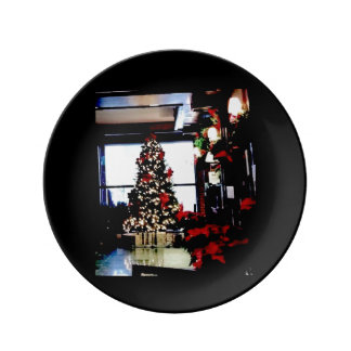 "Holiday Hotel 8.5"" Decorative Porcelain Plate"