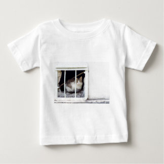 Homeless cat observes street baby T-Shirt