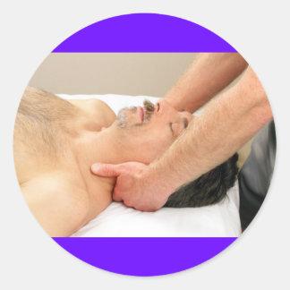 Homme mûr obtenant un massage de cou autocollants