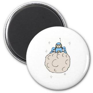 Homme sur la lune magnet rond 8 cm