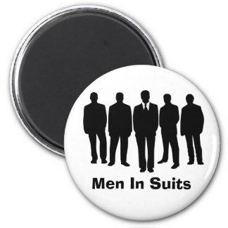 hommes dans l'aimant de costumes magnet rond 8 cm