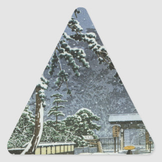 Honmonji Temple in Snow - Kawase Hasui 川瀬 巴水 Triangle Sticker