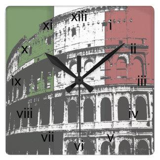 Horloge murale carrée romaine de Colisé et de