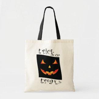 Horror Halloween bag! - trick or treat ? Budget Tote Bag