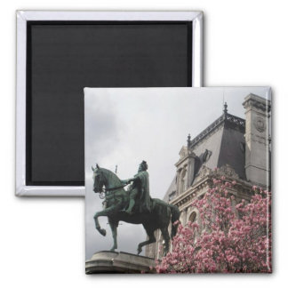horse statue magnet