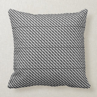 Houndstooth Pattern Decorative Pillow