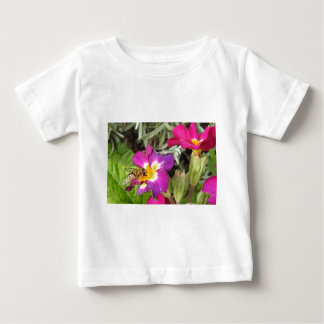 hoverfly resting baby T-Shirt