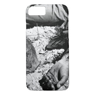 How a man died on the way _War Image iPhone 7 Case