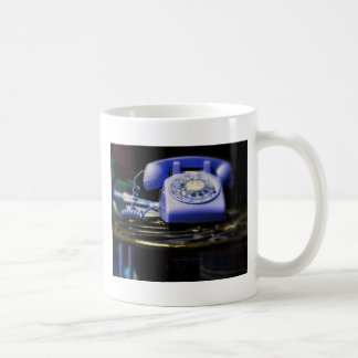 how do you text on this thing blue coffee mug