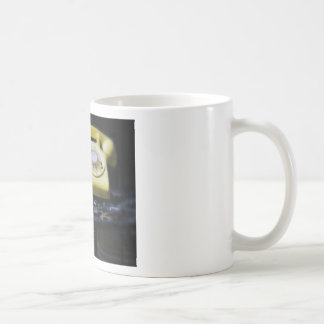 How do you text on this thing yellow classic white coffee mug