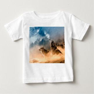 Howlin wolf - wolf art - moon wolf - forest wolf baby T-Shirt