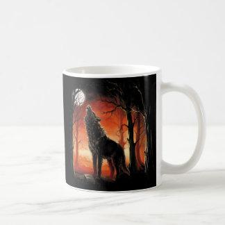 Howling Wolf at Sunset Mug
