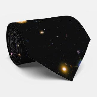 Hubble Deep Field Galaxies Tie