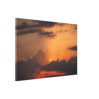 Hues of Sunset / Auringonlaskun sävyt Canvas Print